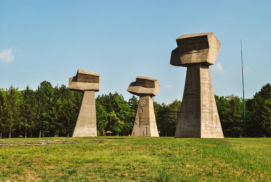 Spomenik_Bubanj-v1-sm